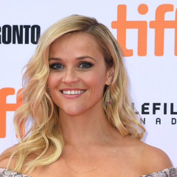 Reese Witherspoon's fall picture is giving us serious Snoopy vibes
