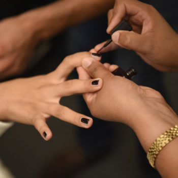 Contouring your nails is the coolest way to fake having long claws