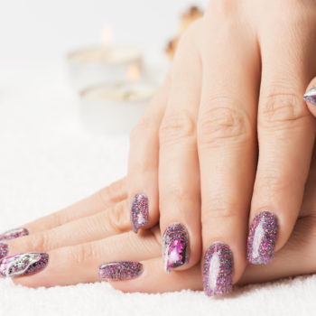 THIS is the right way to put on glitter nail polish