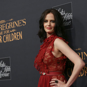 "Eva Green looks like a vision in red at the premiere of ""Miss Peregrine's Home For Peculiar Children"""
