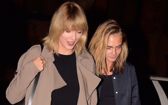 Taylor Swift just perfected THE fall look while having dinner with Cara Delevingne in NYC