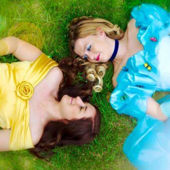This couple dressed up like Disney princesses to show that two princesses can fall in love, and our hearts are so happy