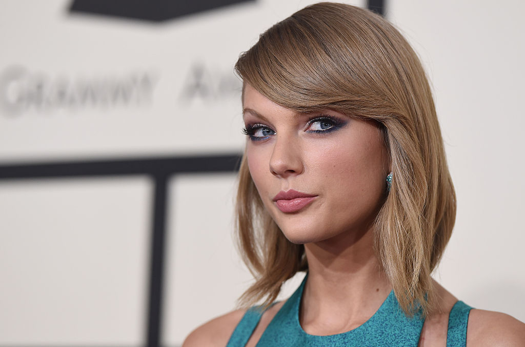 Taylor Swift's plaid chic outfit is PEAK T-Swift