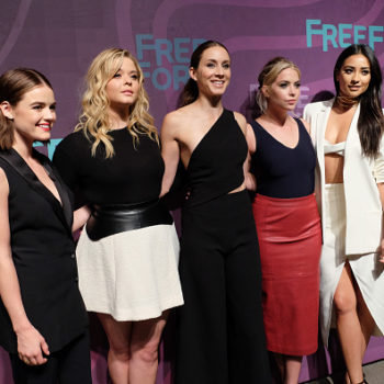 "You won't believe how young the liars look in this ""PLL"" throwback pic"