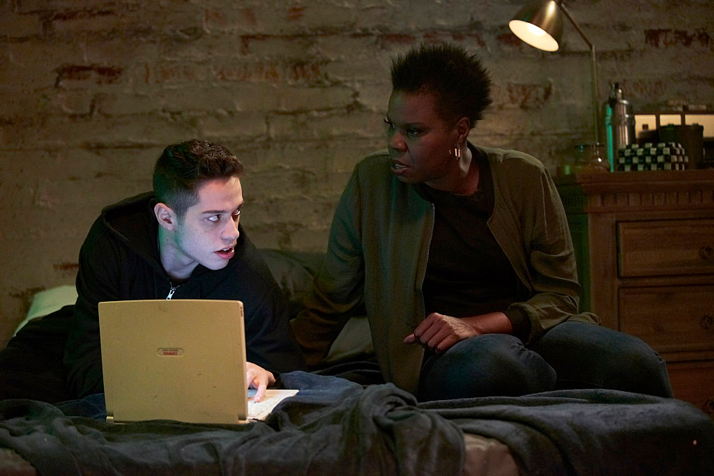 "Leslie Jones talked about her Twitter hack on SNL with help from a ""Mr. Robot"" cameo and it was perfection"