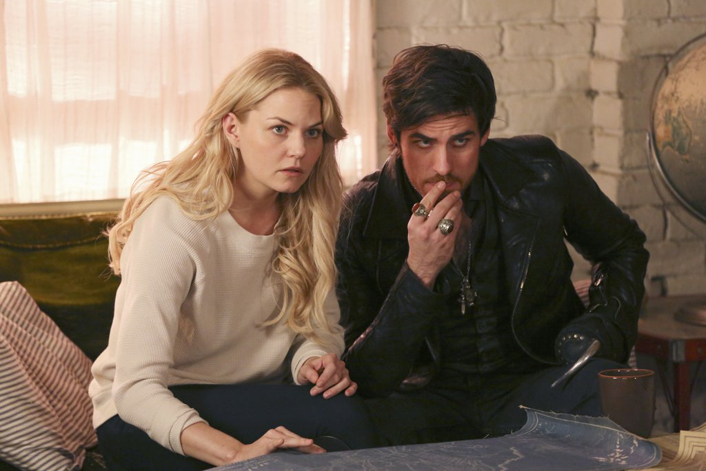 "Someone is going to kill Emma on ""Once Upon a Time,"" and you won't believe who she thinks it is"