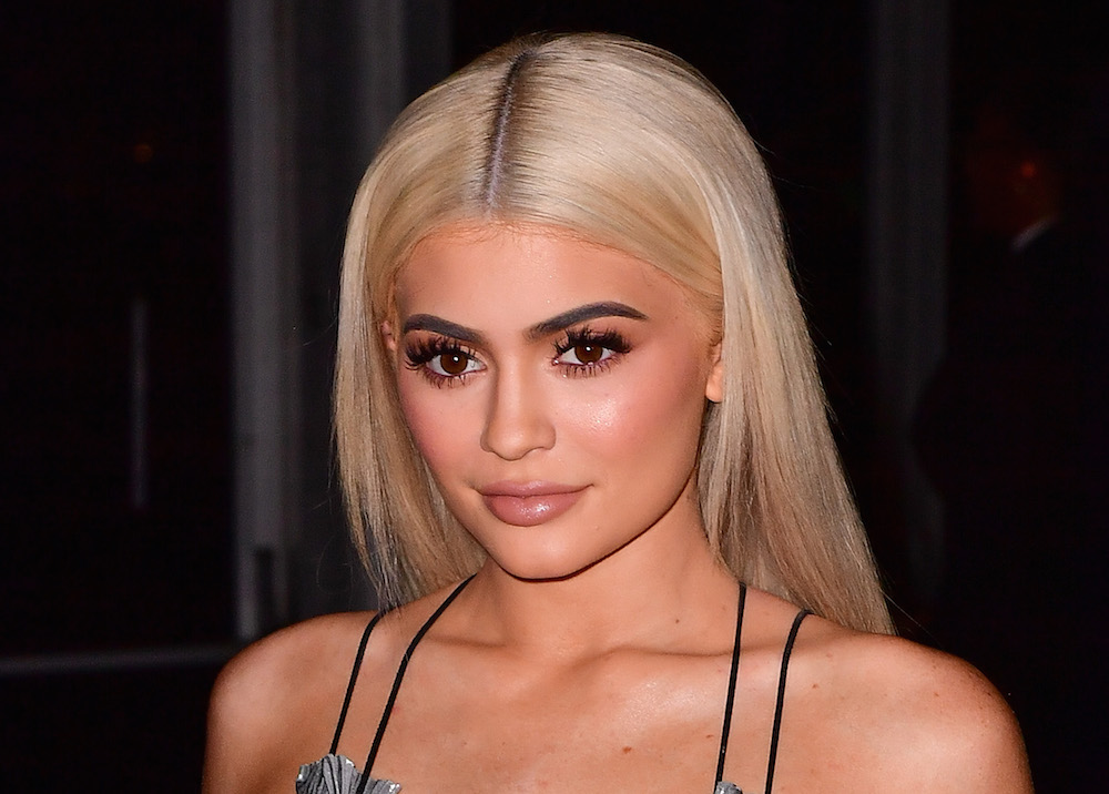 PSA: Kylie Jenner now has granny hair