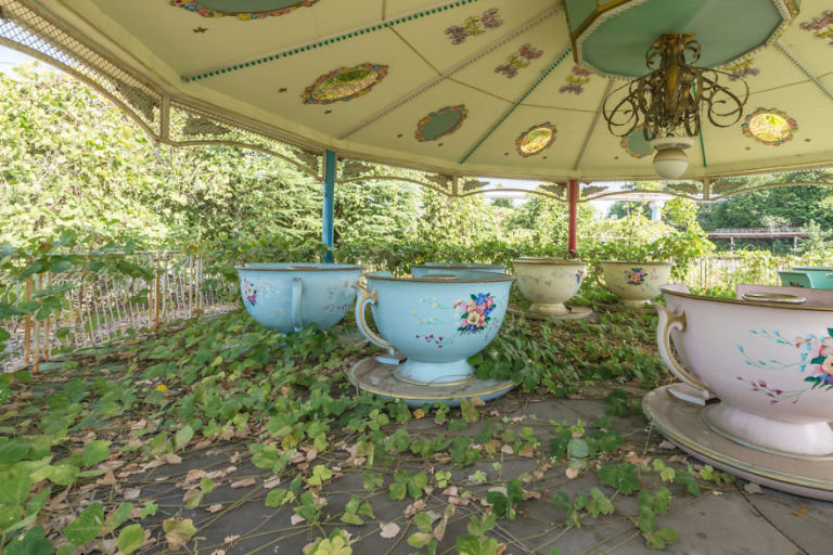 This abandoned Dreamland theme park in Japan is the stuff of our haunted dreams