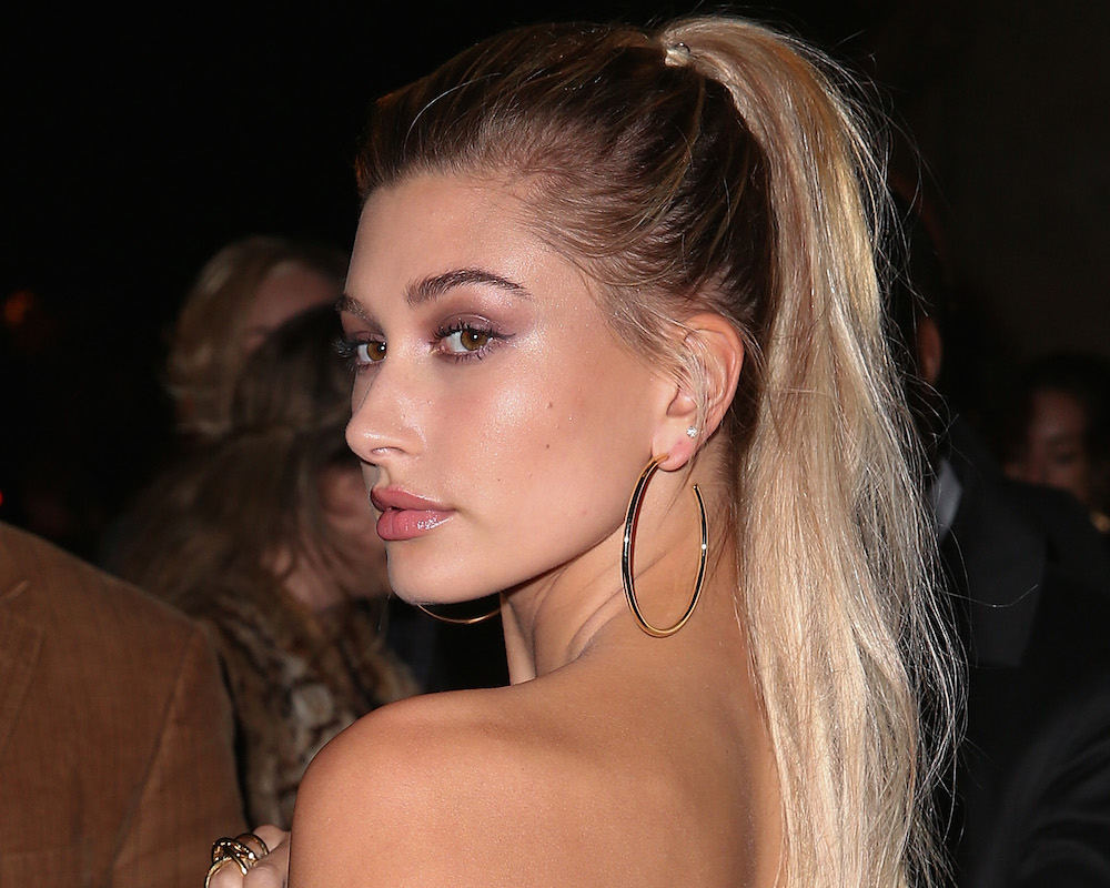 Hailey Baldwin's supreme pattern mixing is something to obsess over
