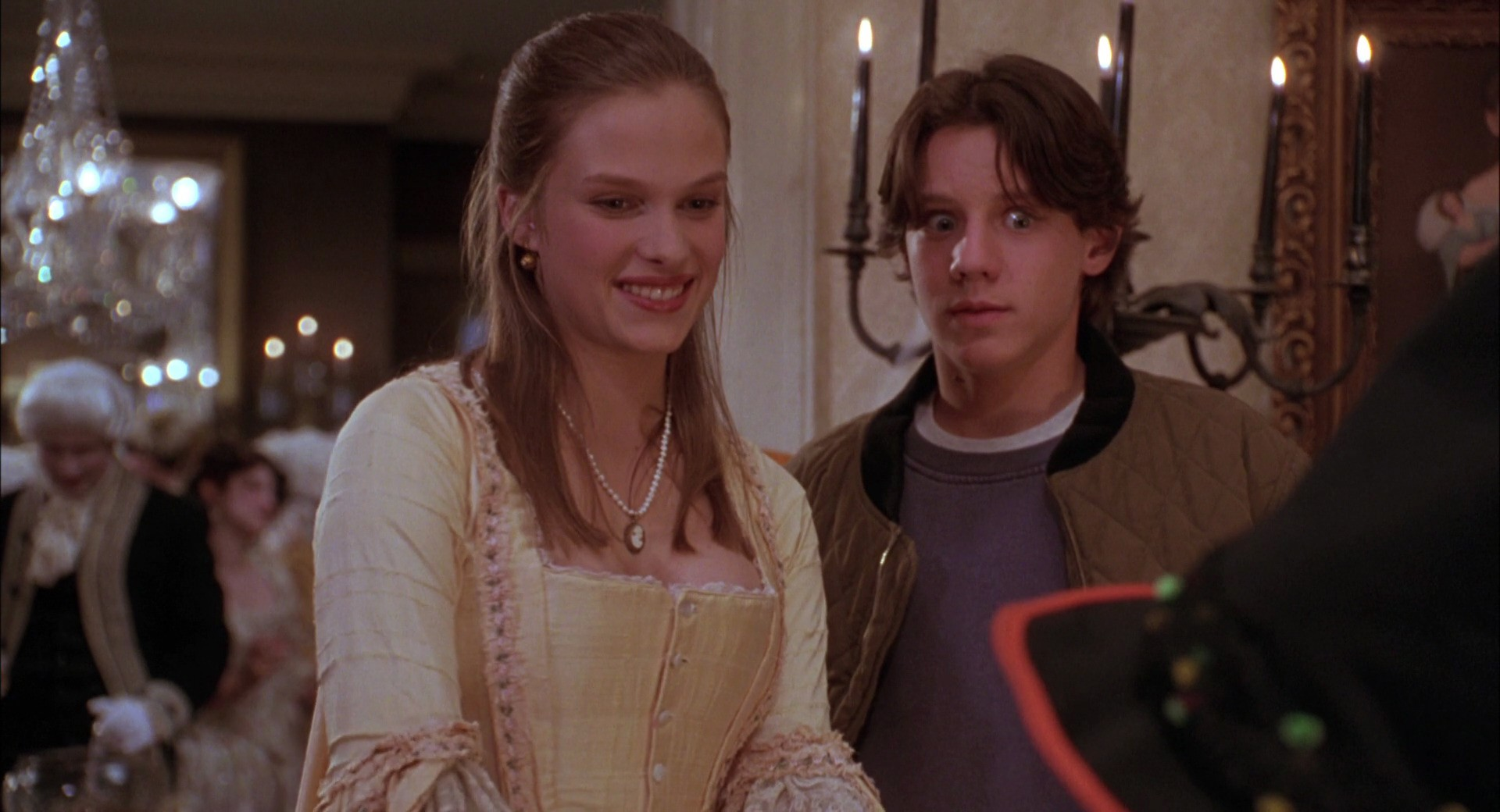 "Vinessa Shaw who played Allison in ""Hocus Pocus"" is still a total bombshell now"