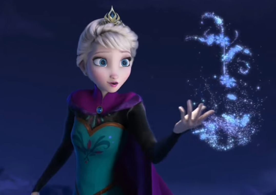 Idina Menzel picked a Disney girlfriend for Elsa, and her choice is amazing