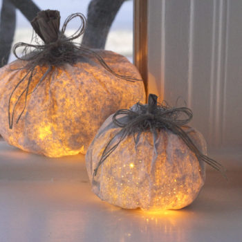 10 ~*spooktacular*~ Halloween luminaries you'll want to make for your porch immediately