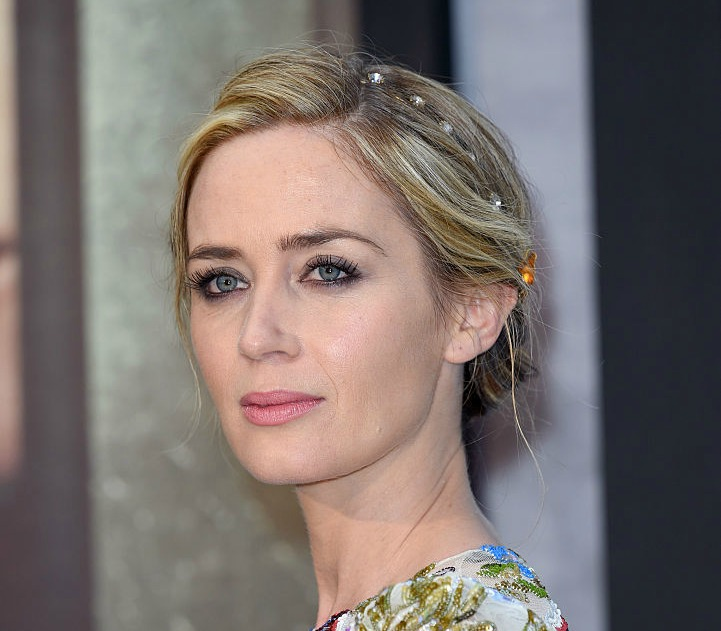 Emily Blunt does NOT like it that her daughter has an American accent
