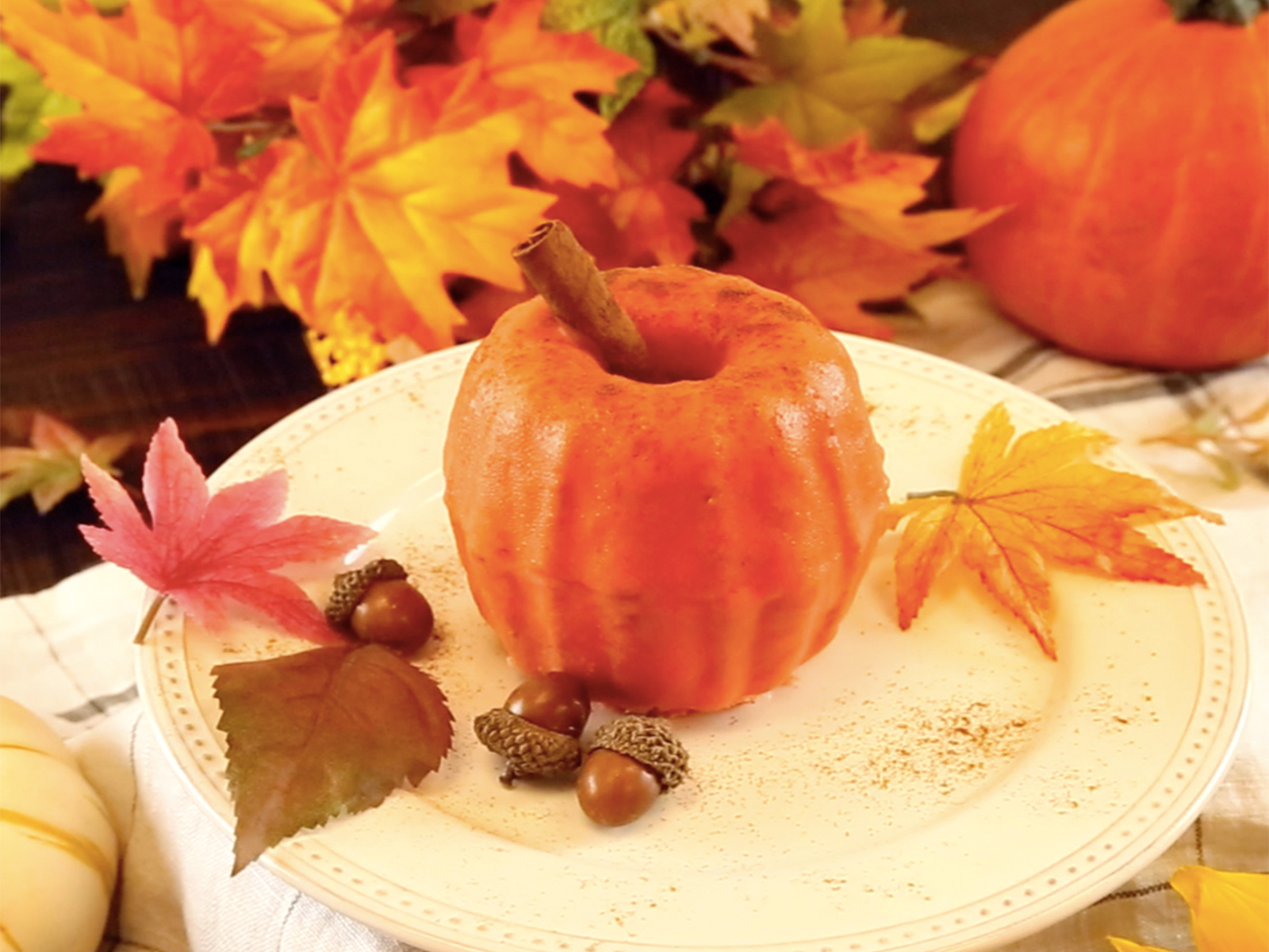 Embrace your pumpkin obsession by making these Mini Pumpkin Bundt Cakes