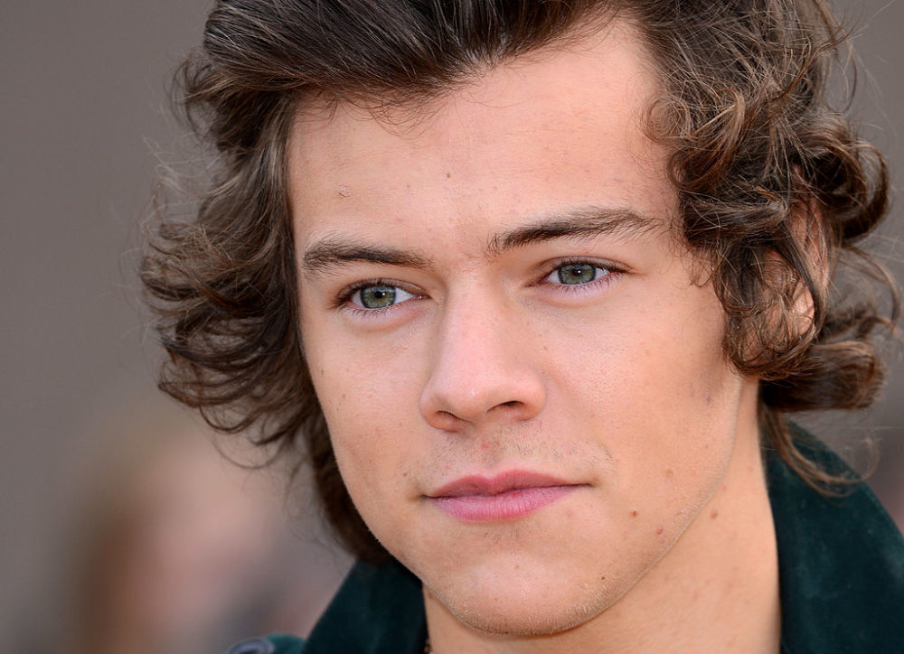 Harry Styles wears black nail polish, our gothic hearts swell with love