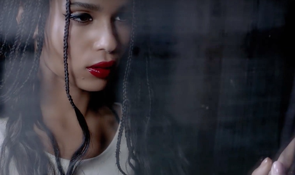 Zoë Kravitz just dropped a new ad for her collab with YSL, forever proving she's a goddess