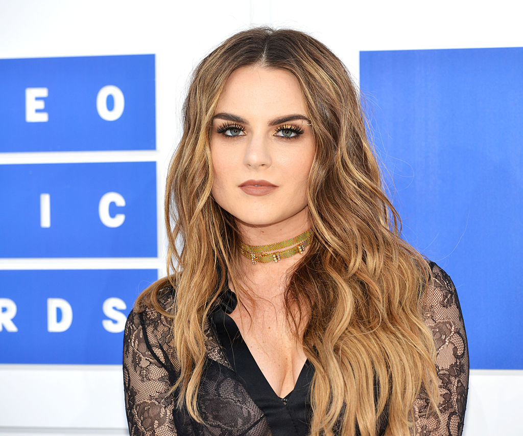 JoJo's new music video is giving us all the feels