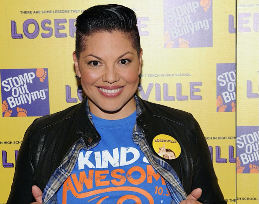 """Grey's Anatomy"" star Sara Ramirez just came out as bisexual and we love her so much!"
