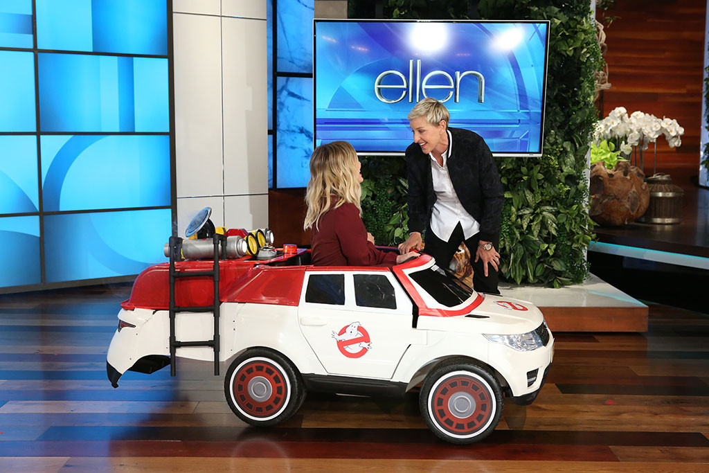 "Ellen gives Hilary Duff's son the ultimate ""Ghostbusters"" Halloween surprise and we're insanely jealous"