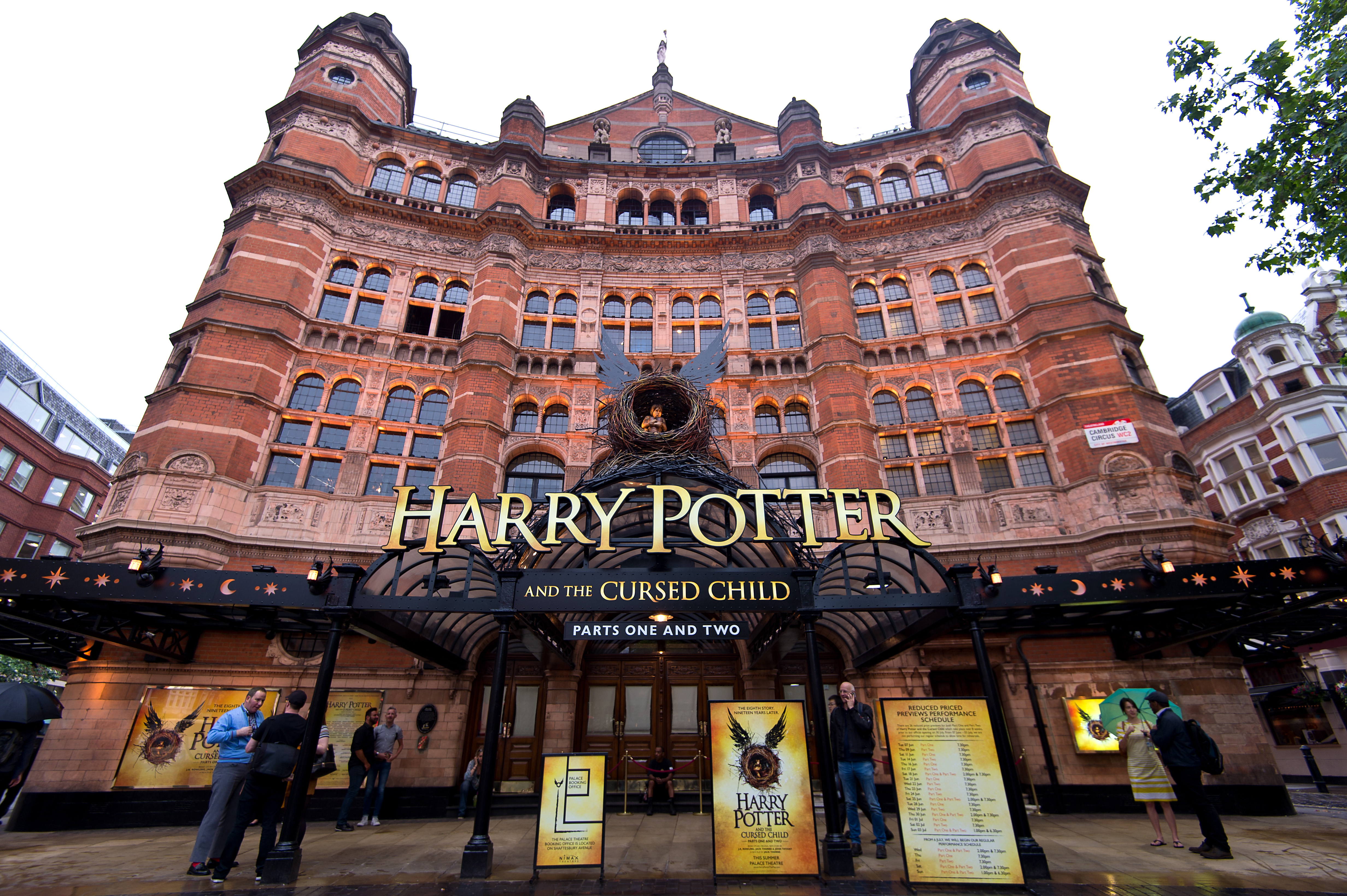 """Mark your calendars, """"Harry Potter and the Cursed Child"""" *might* be coming to Broadway in 2017"""