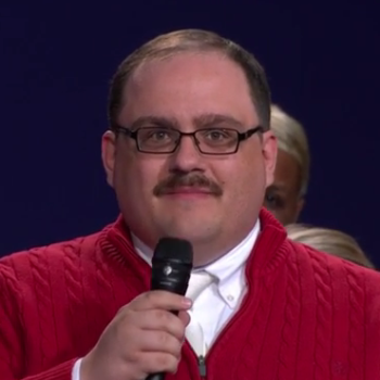 """The story behind debate star Ken Bone's famous red sweater will make you say, """"Awww"""""""