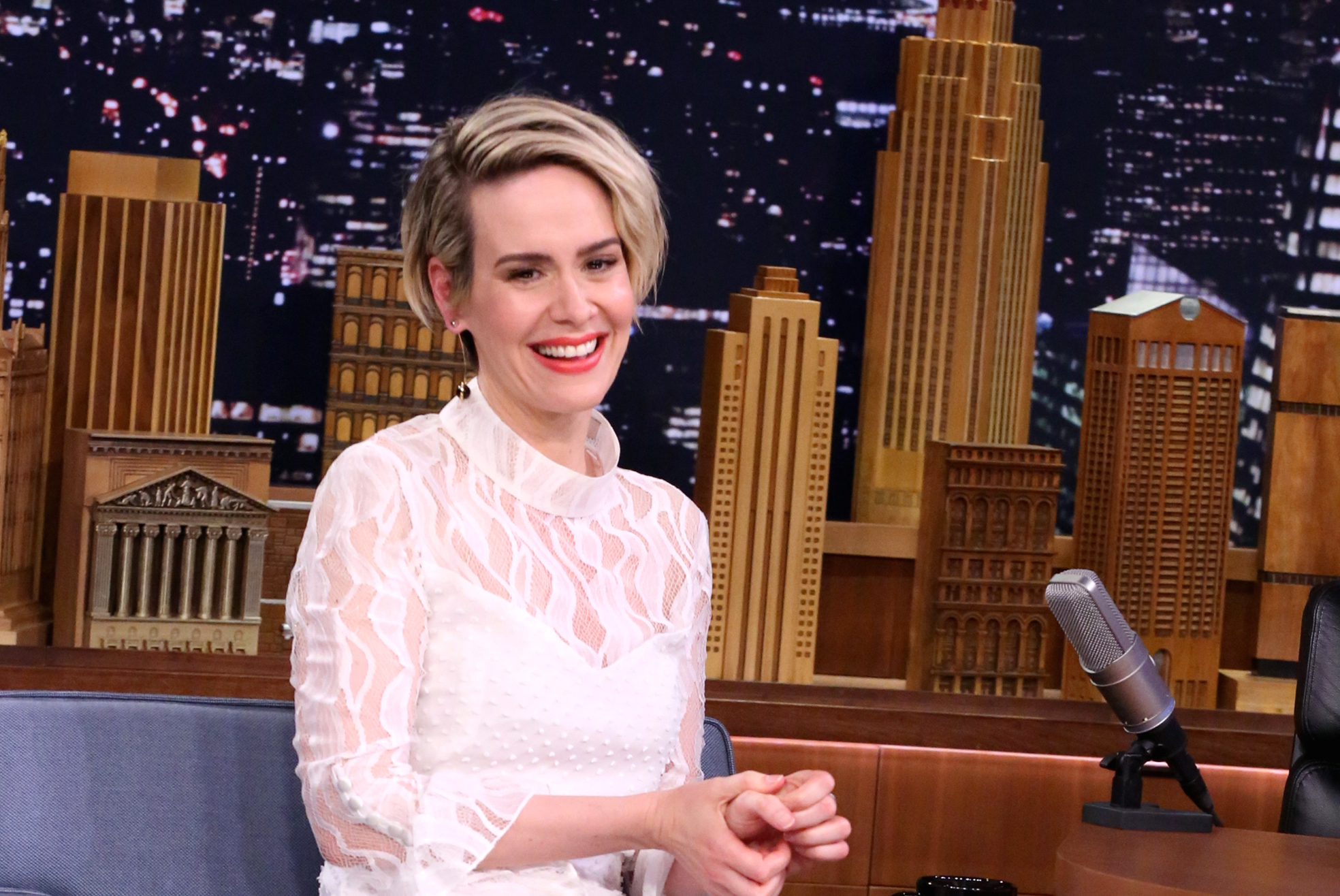 "Sarah Paulson teases that there are actually TWO twists coming on ""American Horror Story"""