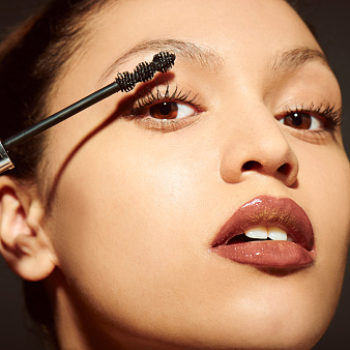 This two-toned mascara tutorial will make your eyes look huge!