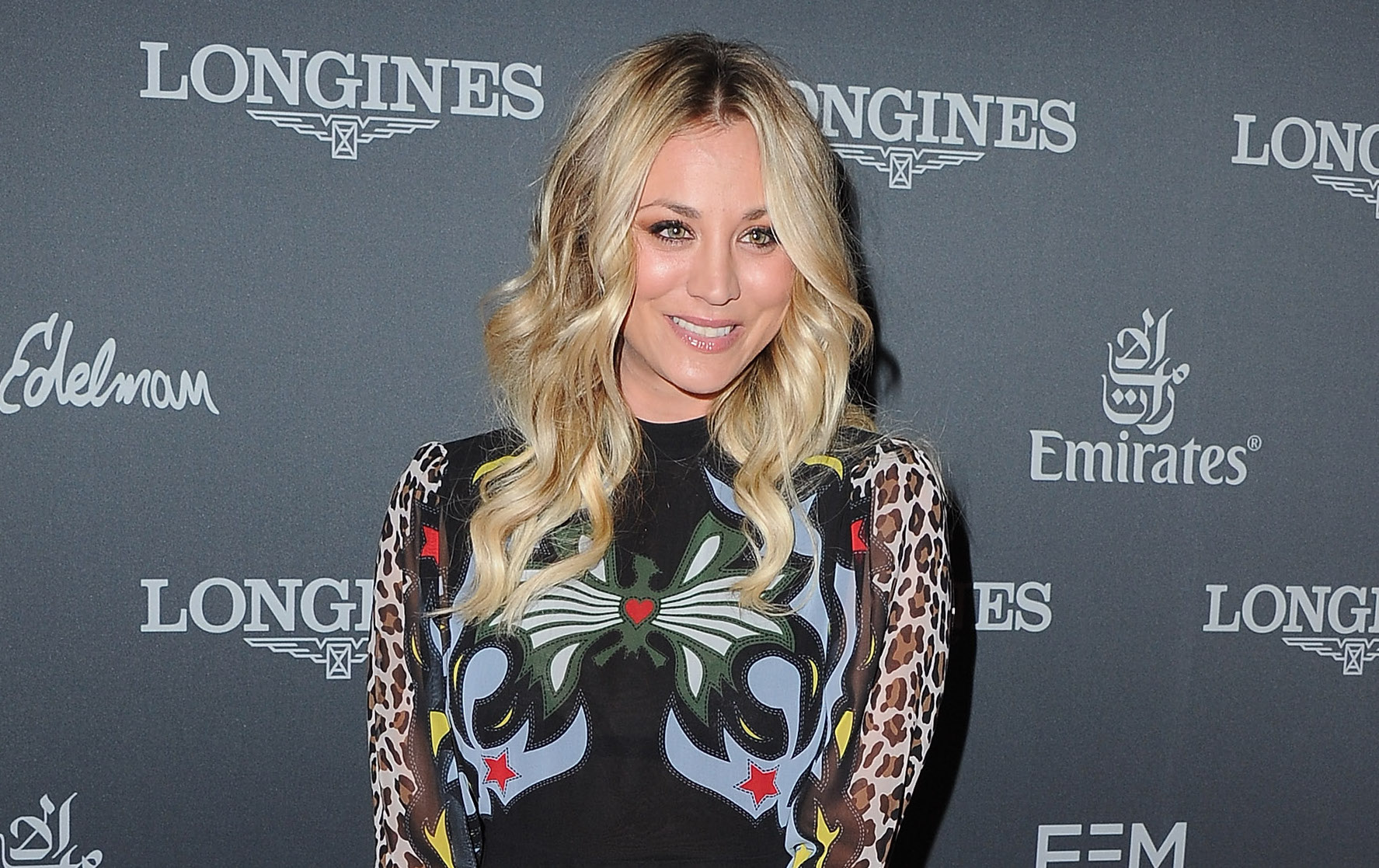 Kaley Cuoco wrapped herself in fall in this gorgeous coat by Mary Kate and Ashley's The Row