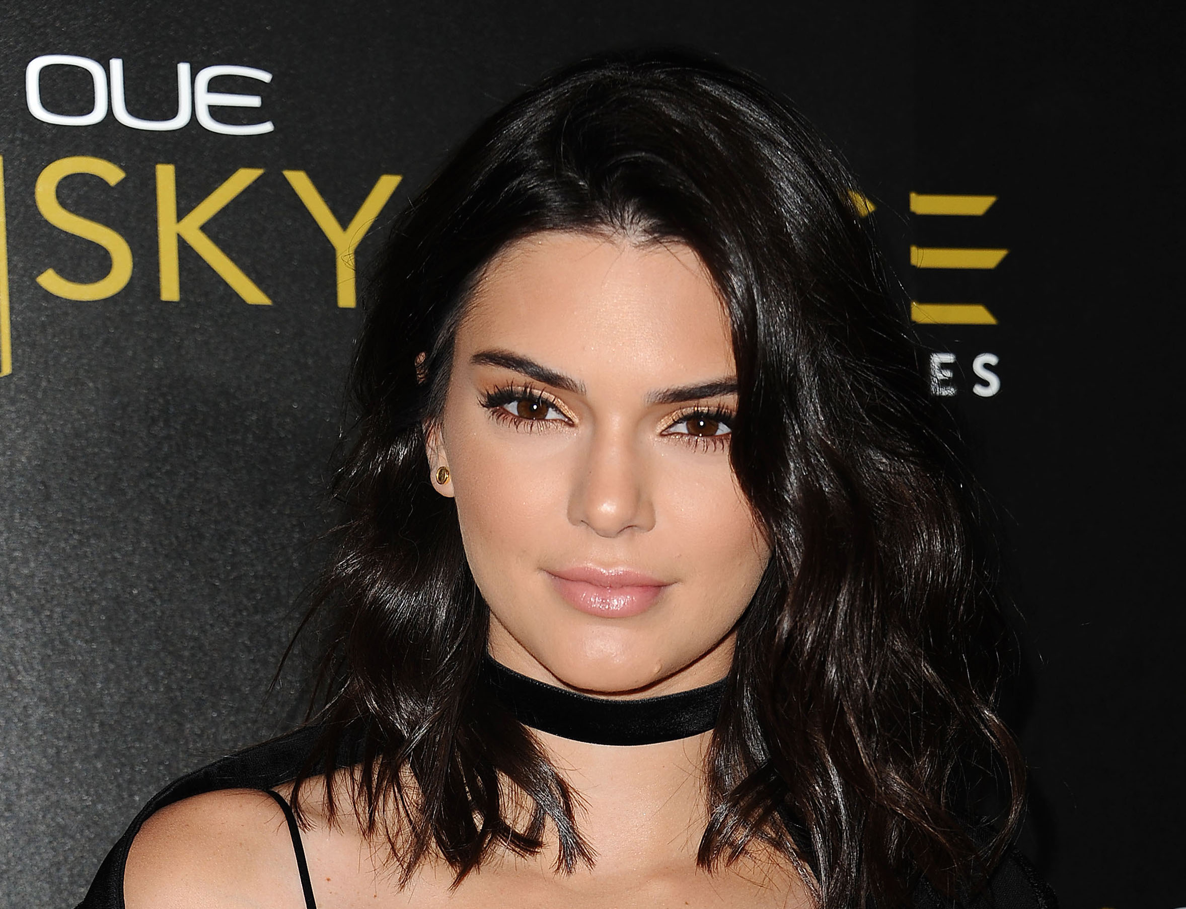 "Kendall Jenner is invoking ""The Nanny"" with her latest outfit and we are SO here for it"