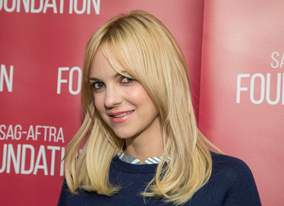 Anna Faris did her first live podcast, and here's how it went down
