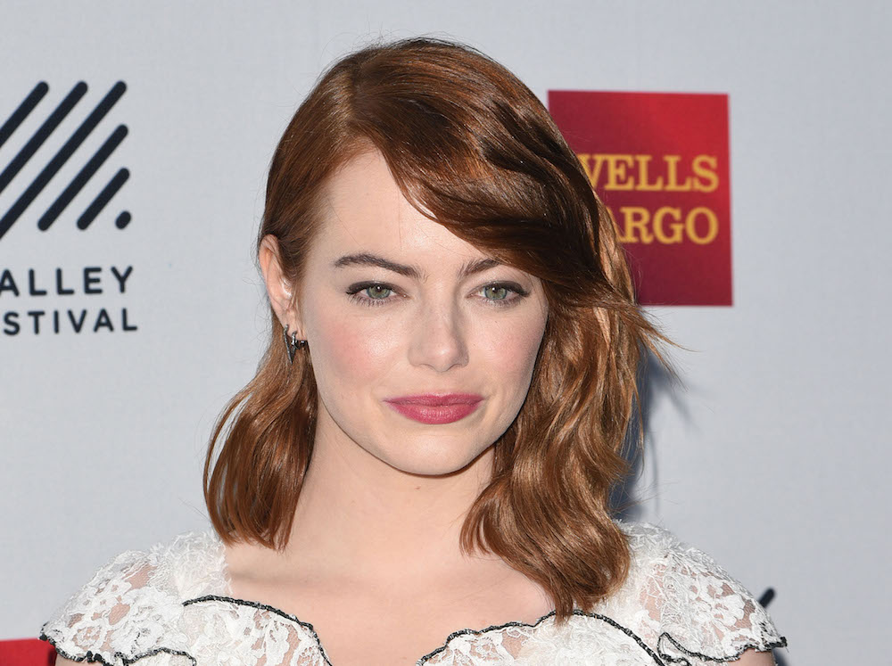 "Emma Stone has a pixie haircut on the cover of ""Vogue"" and it is FIRE"