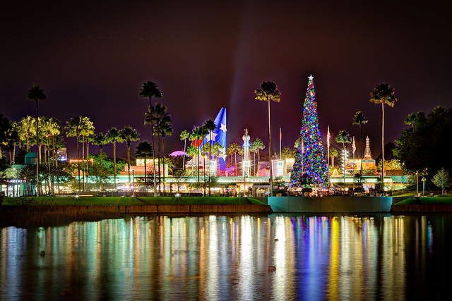 There's going to be a new nighttime holiday show at Disney World, and we want to go to there