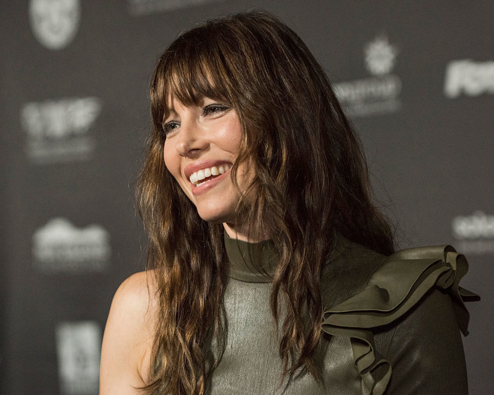 Jessica Biel's green leather dress made her look like a gorgeous plastic army man and we are in love