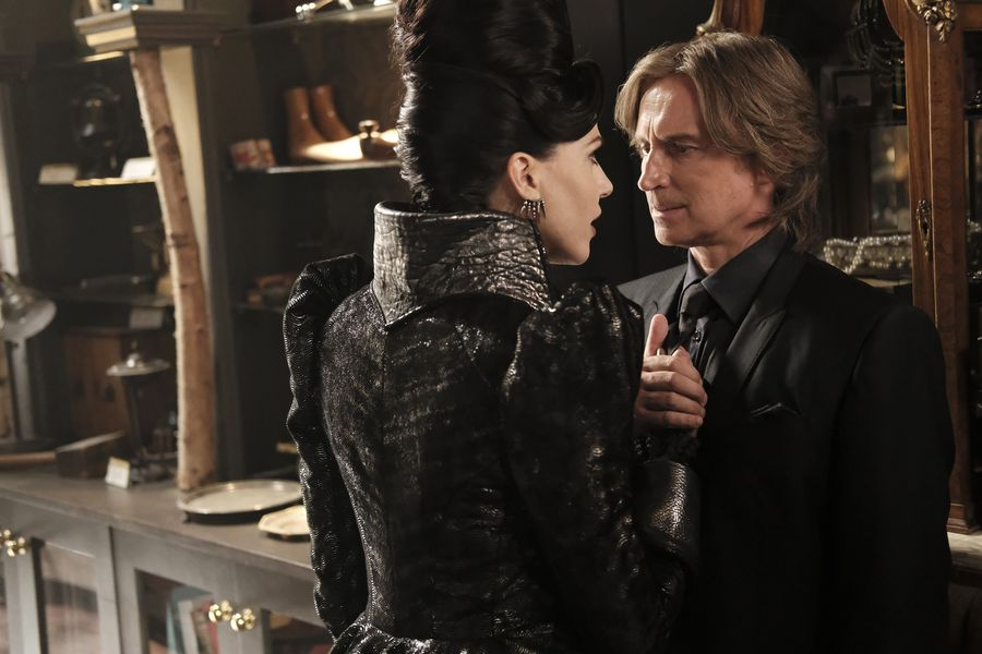 """This """"Once Upon a Time"""" character got a serious makeover, and Twitter is freaking out about it"""