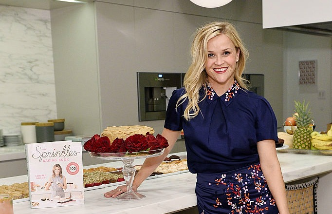 Reese Witherspoon looked like a cute cake topper at the Sprinkles Baking Book pre-release party