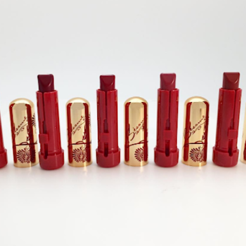 Bésame's new holiday set is the stuff of retro lipstick dreams