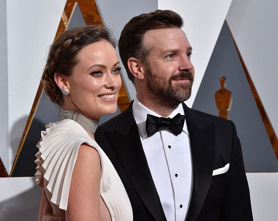 Olivia Wilde just posted an ADORABLE picture of her cuddling baby Daisy, and we're in love!