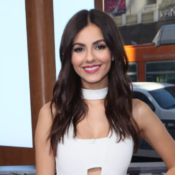 Victoria Justice proves blush pink is still ~the~ color for fall