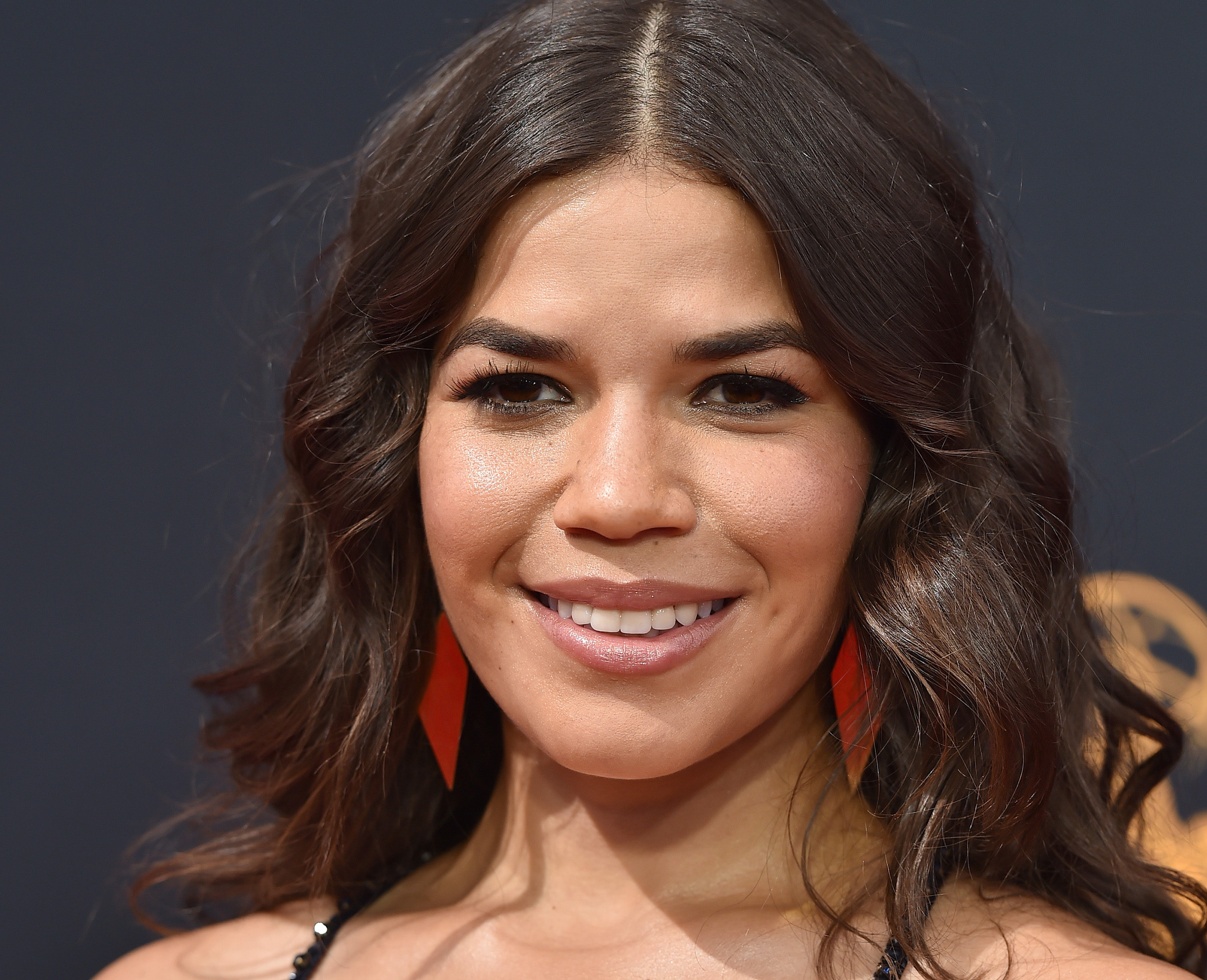 America Ferrera just completely changed her hair – and AHHH it's so pretty!