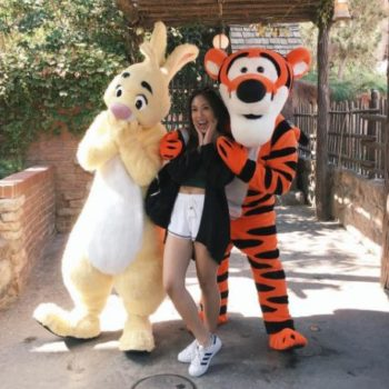 Tigger's hug got rejected at Disneyland and it is waaaayyy too relatable