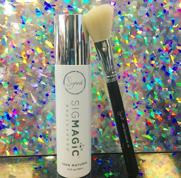 Sigma Beauty came out with the ideal cure for our dirty makeup brushes