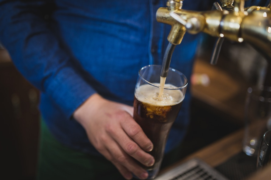 Beer might be able to power our smartphones, and we are absolutely fascinated