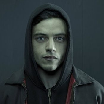 """""""Mr. Robot"""" and """"Black Mirror"""" had some fun wth the Internet outage yesterday"""
