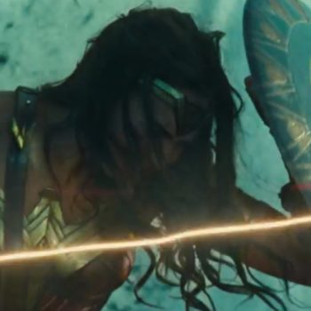 """Zack Snyder just shared this badass picture of """"Wonder Woman"""" and we are loving it"""