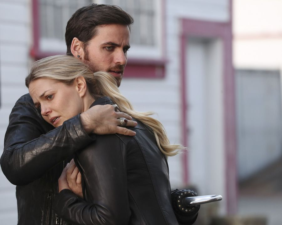 "There's a huge secret between Emma and Hook on ""Once Upon a Time,"" and we don't like it one bit"