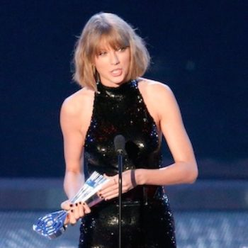 Taylor Swift opened up about what it felt like to be groped by a stranger, and this is not okay people