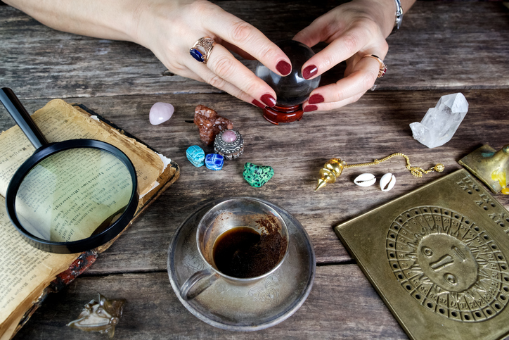There is now a monthly subscription box for all you witchy goddesses out there