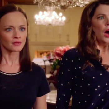 "Not a drill, there's finally a full-length trailer for ""Gilmore Girls: A Year in the Life"""