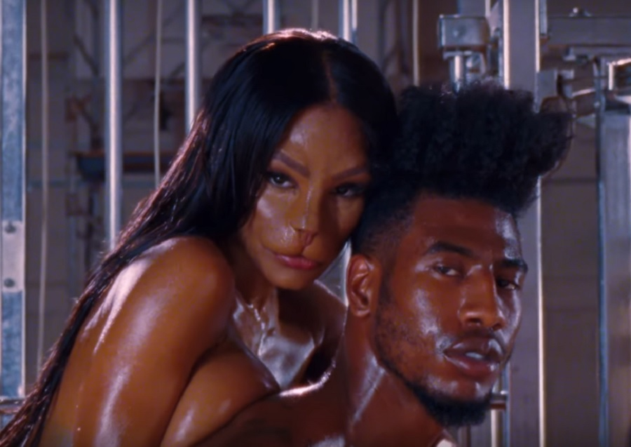 """Teyana Taylor's husband explained her """"Fade"""" cat face and it's *so* inspirational"""