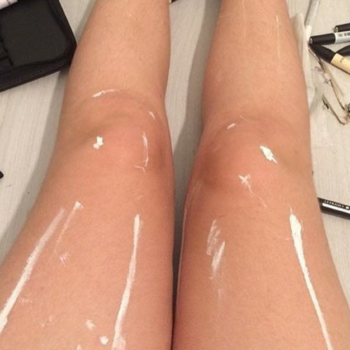People are losing their minds over this Instagram of a person's legs